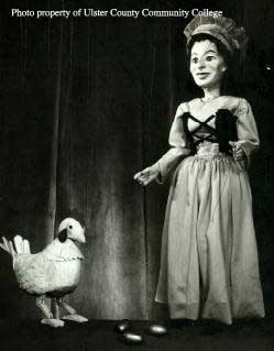 photo of the giant's wife and the hen that laid the golden eggs